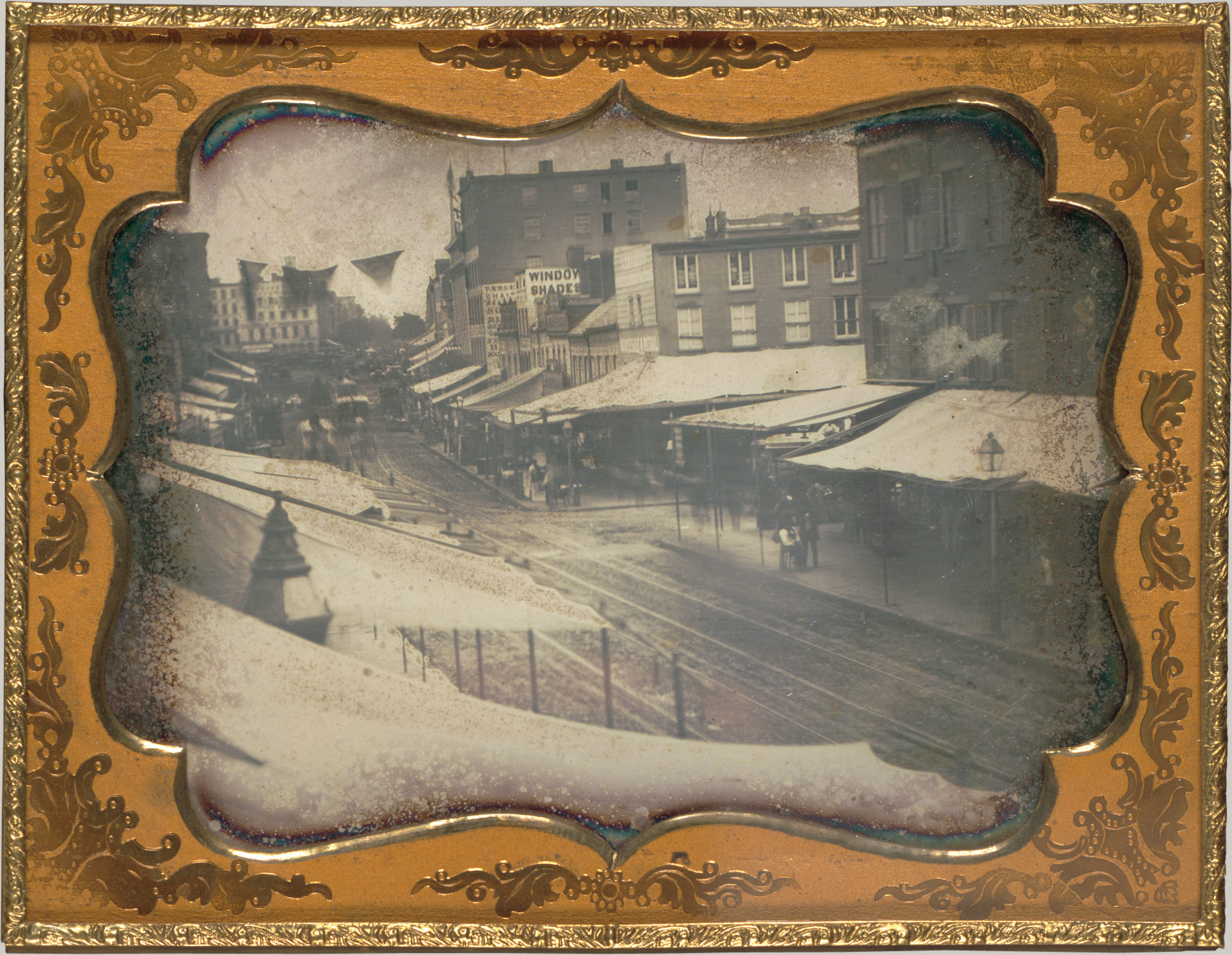 Daguerreotype of Chatham Street looking toward Chatham Square, 1853-1855, artist unknown (image from http://www.metmuseum.org/toah/works-of-art/2005.100.173/ Gilman Collection, Gift of The Howard Gilman Foundation, 2005)