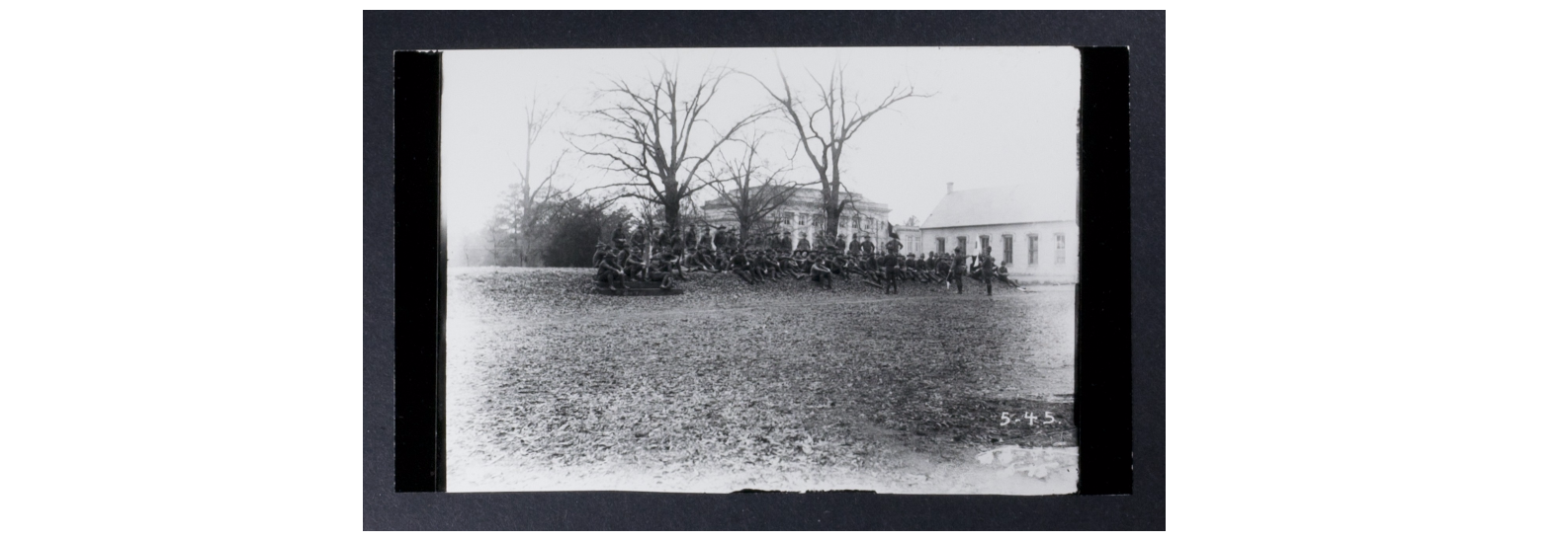 Military students gathered on The Mound, 1918. Photo from Hoole Special Collections Library, Tuscaloosa, Alabama. http://purl.lib.ua.edu/57540