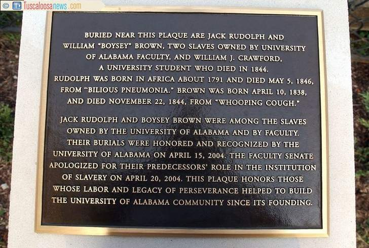A photograph of the marker outside of the biology building. Photo from TuscaloosaNews.com.