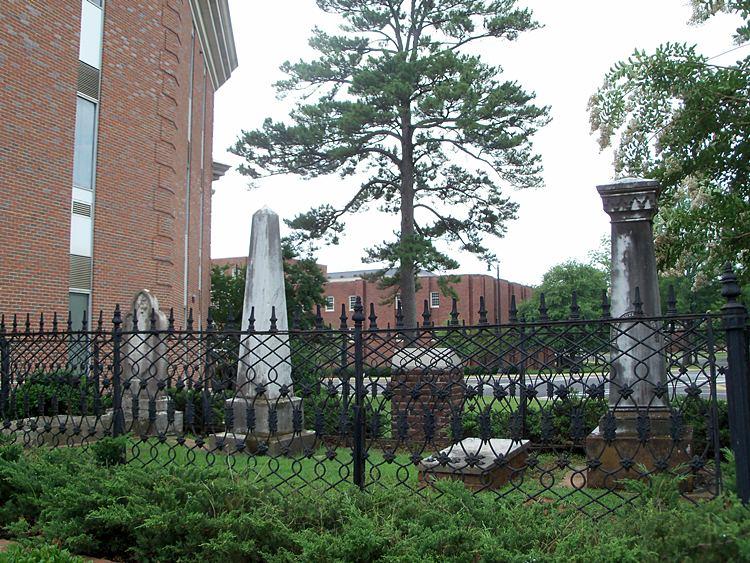 A photograph of the slave graveyard. Photo from CivilWarAlbum.com (http://www.civilwaralbum.com/misc18/ua7.htm)