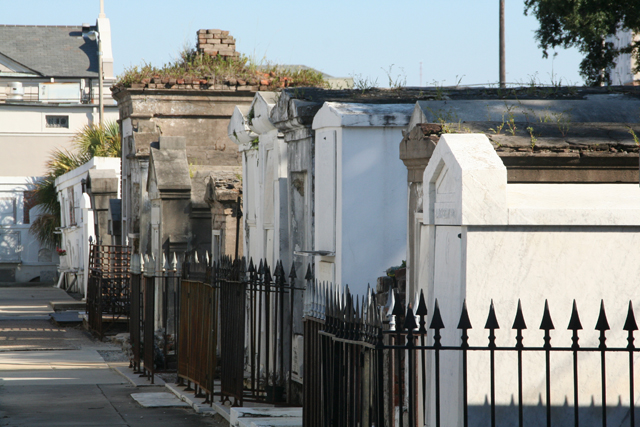 Tombs within St Louis Cemetery No. 1