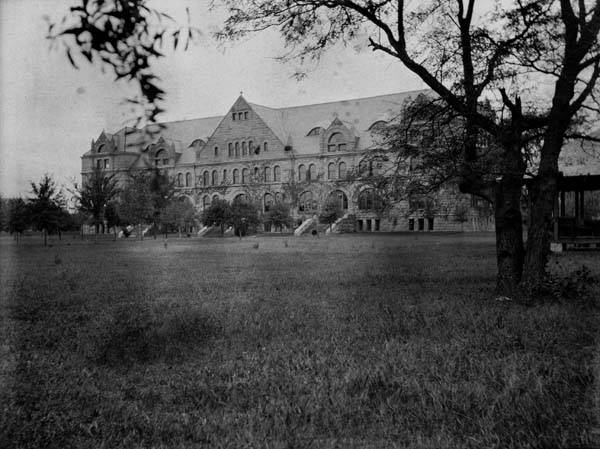 Gibson Hall in 1904