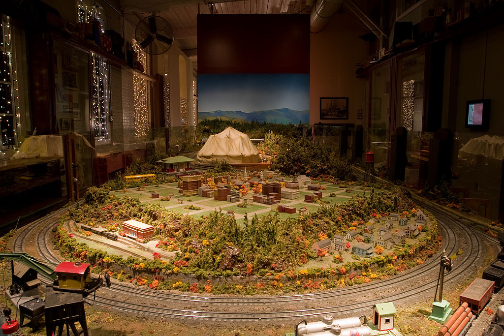 Model train installation at the Eli Whitney Museum in December 2007 (photo by Tom Murphy VII)
