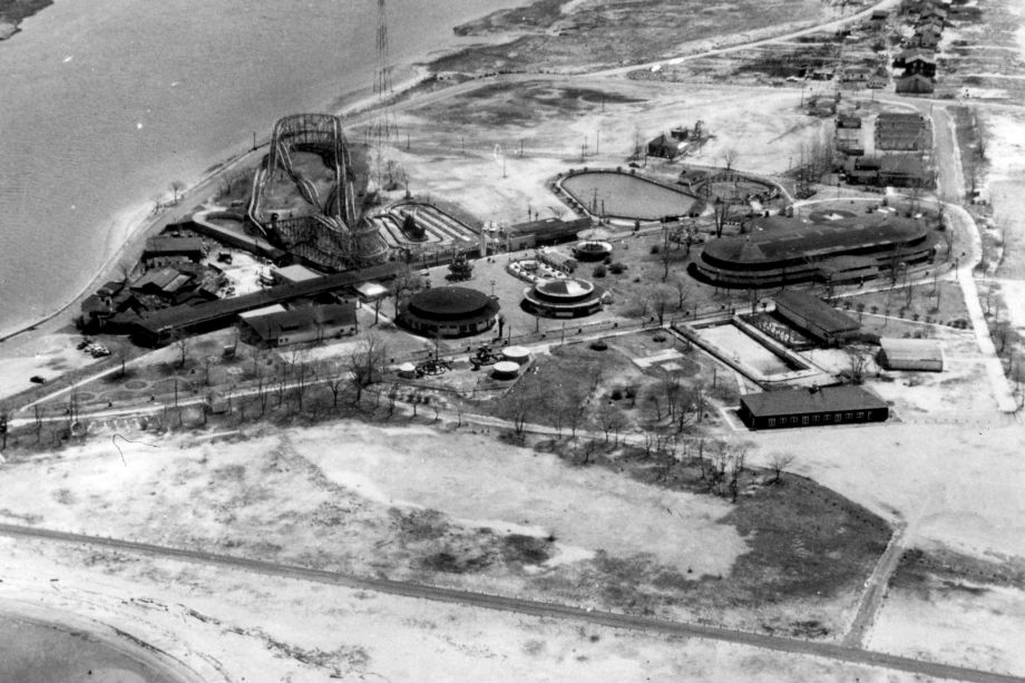 1955 aerial view of Pleasure Beach in Bridgeport. Photo Courtesy of the Bridgeport History Center at the Bridgeport Public Library / Photos by Corbit Studios