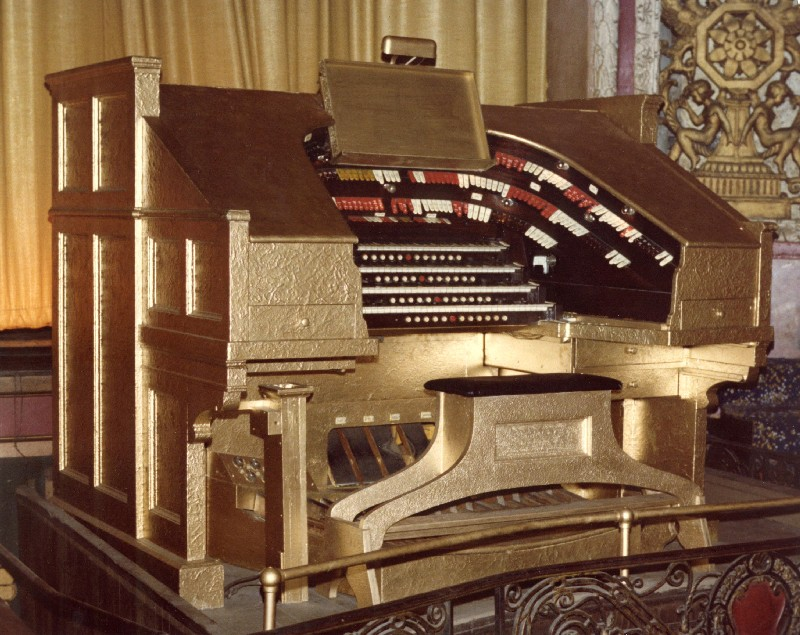 The Saenger's Robert Morton Theatre Organ that is original to the building.