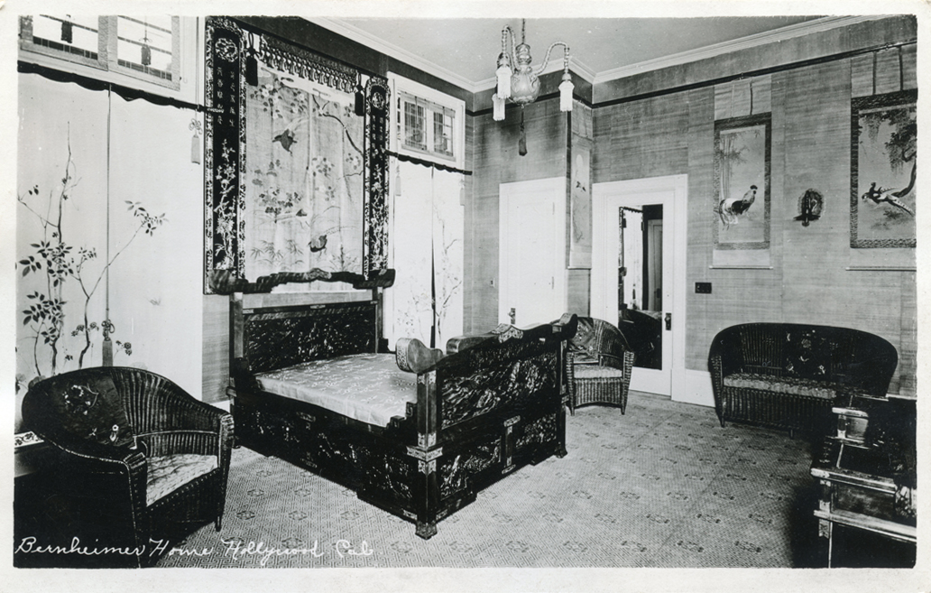 Bedroom in the Bernheimer Residence (www.image-archeology.com)