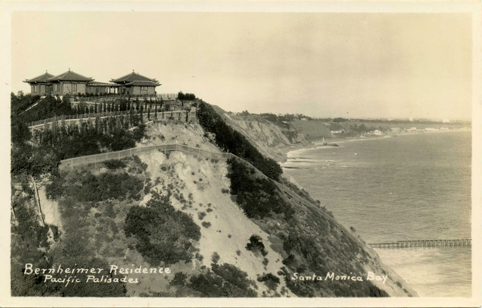 View overlooking the Santa Monica Bay (www.image-archeology.com)