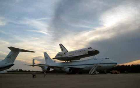 Visit of the NASA shuttle Atlantis in 2009