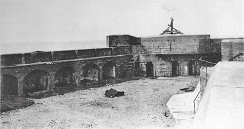 Historic photo of the fort during its years of operation as a coastal defense station.