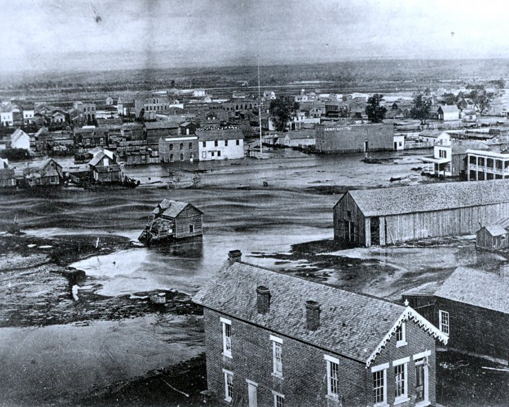 Denver was on higher ground along Cherry Creek so it sustained less damage during the flood than Auraria, which was a separate city at the time. Photo: Courtesy of Tom Noel Collection