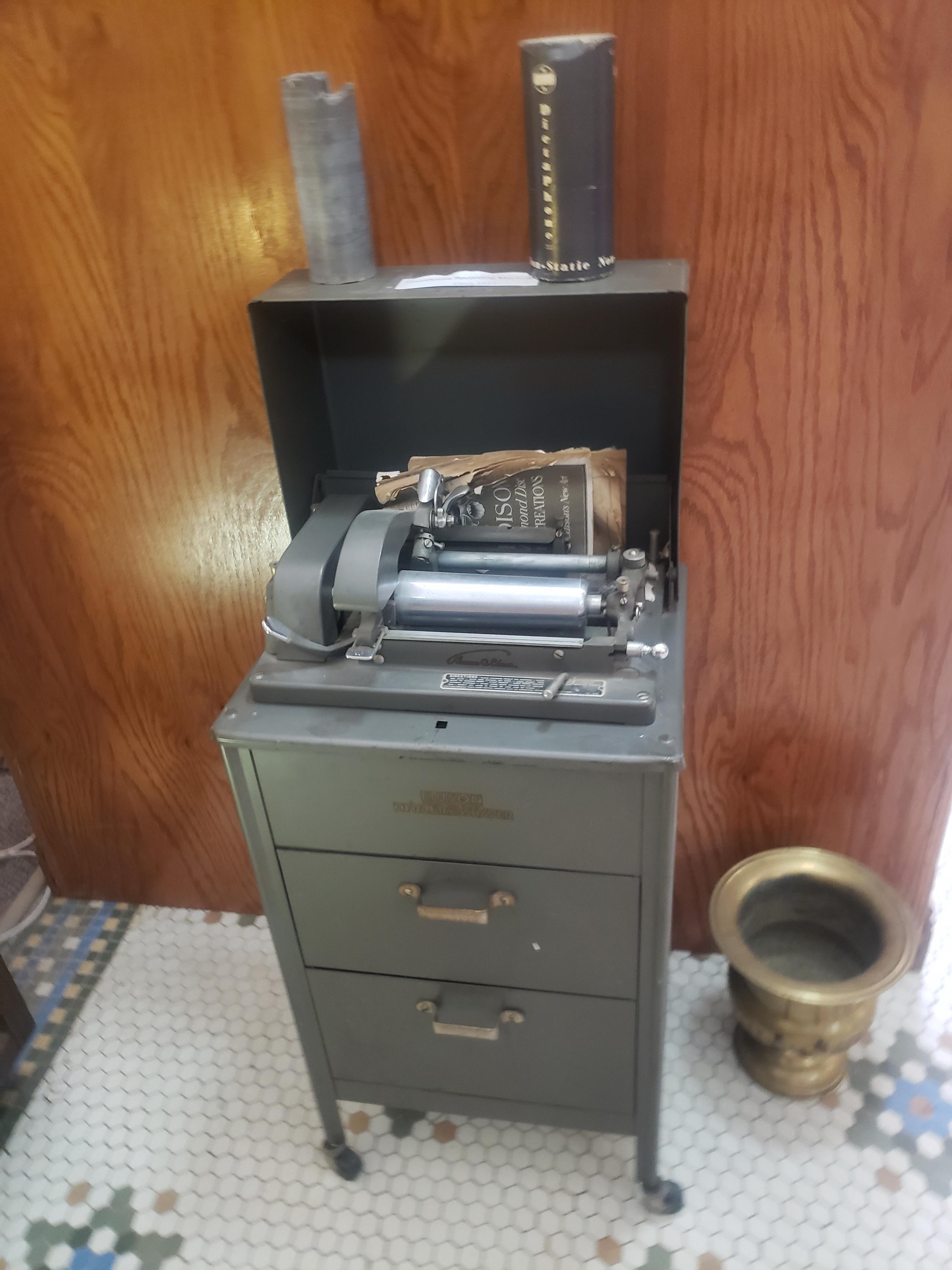 Edison Mercury Shaver