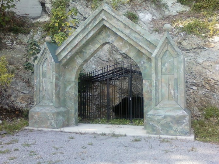 Sybil's Cave
