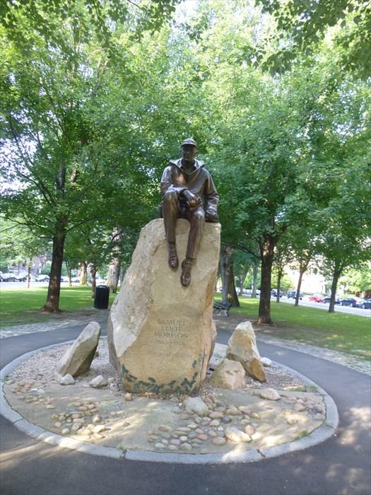 Statue of Samuel Eliot Morison