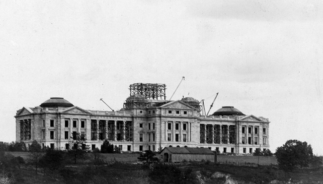 Construction of the Arkansas State Capitol in October of 1910.