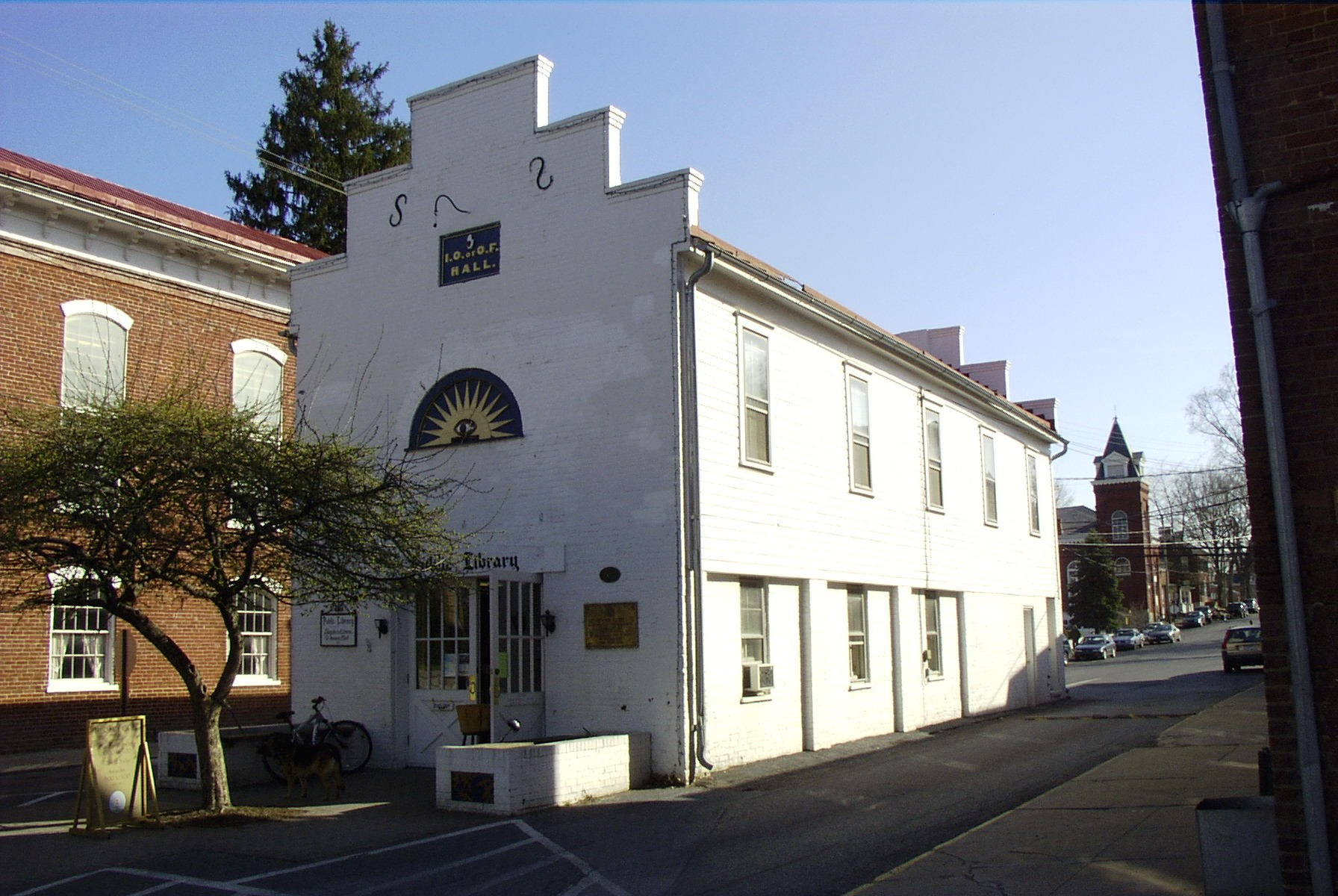 Constructed as a public market in 1800, this historic building has served as the local public library since the 1920s.