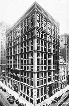 Chicago's Home Insurance Building was originally ten stories and 138 feet tall. Priod to its demolition, it was expanded to twelvve stories.