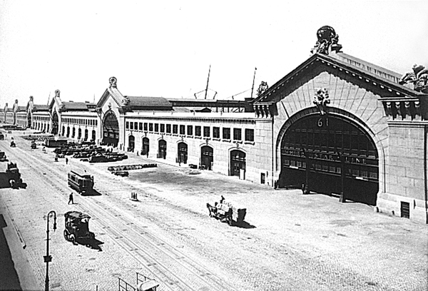 The Chelsea Piers in the early 20th century (http://untappedcities.com/)