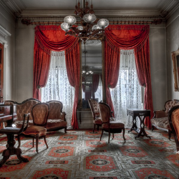 Merchant's House Museum parlor (image from Merchant's House Museum)