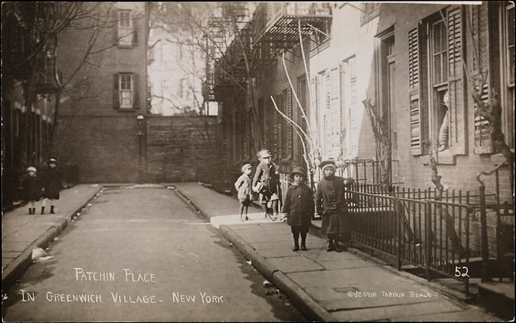 Patchin Place, 1910 (image from Book Club Mom Blog)