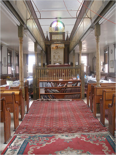 Interior view of the synagogue (www.nytimes.com)