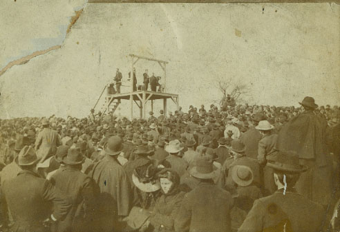 Photo of Morgan's execution along with the large crowd in attendence