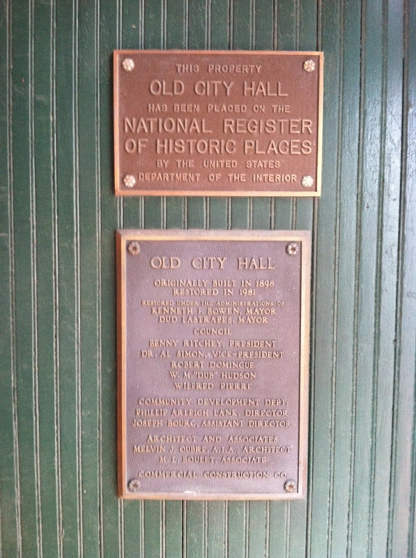 Historical markers placed on the building.