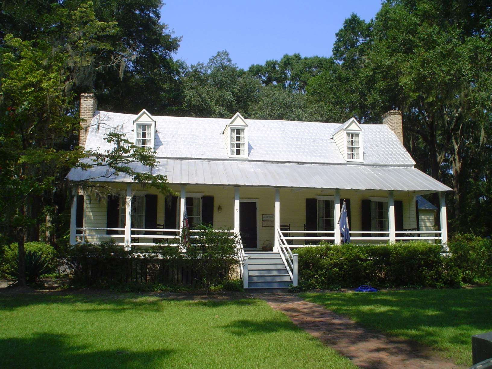 The house also serves as the Bluffton Welcome Center