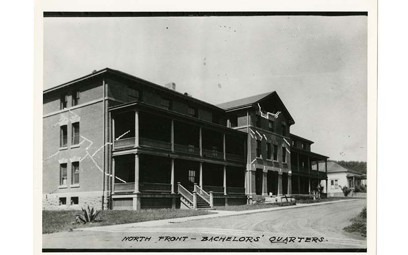 1906 Earthquake damage to building 42 (image from Inn at the Presidio)