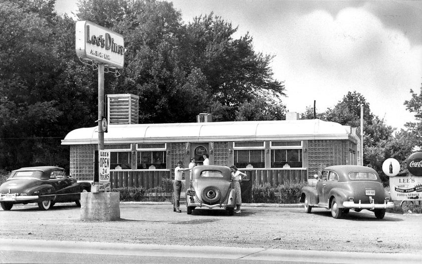 "The 29 Diner in the 1950s, when it was called ""Lee's Diner"" for a short period"