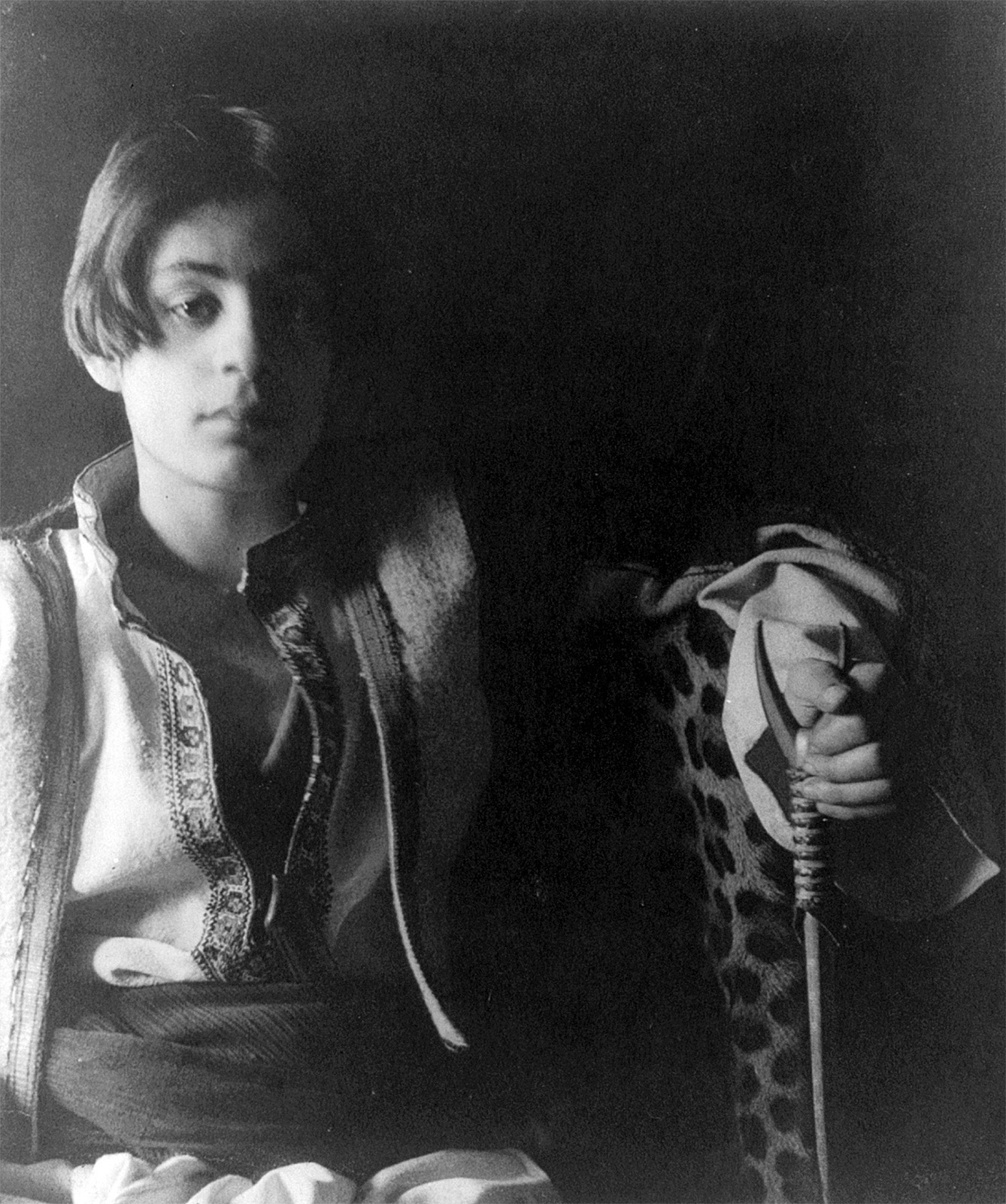 The portrait of 15-year old Khalil Gibran made by Fred Holland Day