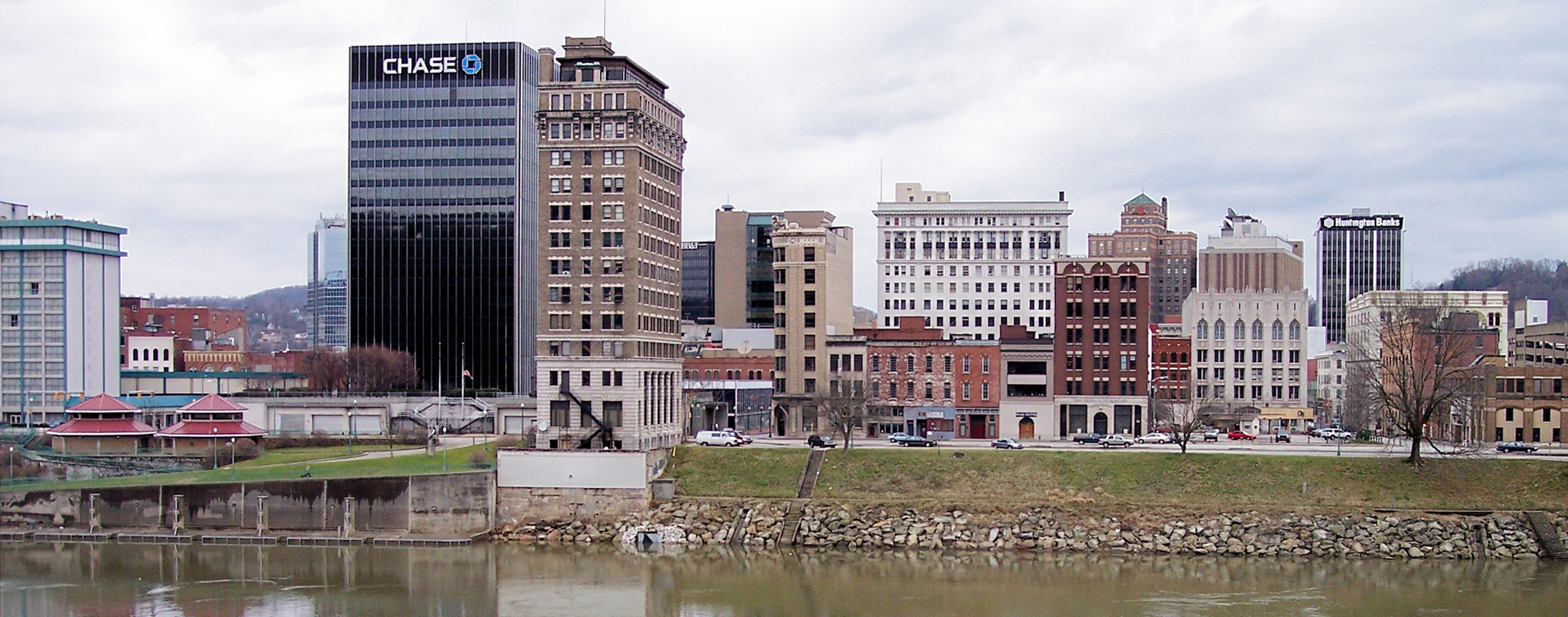A view of Charleston from the south side of the Kanawha River shows Chase Bank Tower, formerly Charleston National Bank.
