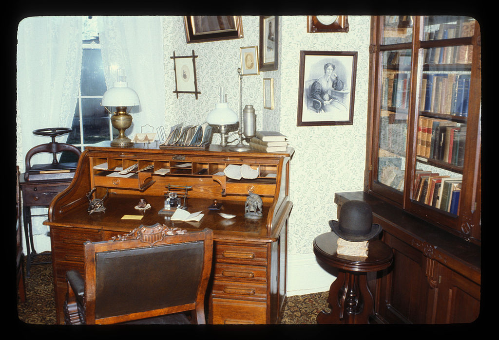 Douglass's study. After Douglass's death in 1895, his widow founded the Frederick Douglass Memorial and Historical Association in 1900. This group, along with the National Association of Colored Women, owned the house until 1962.