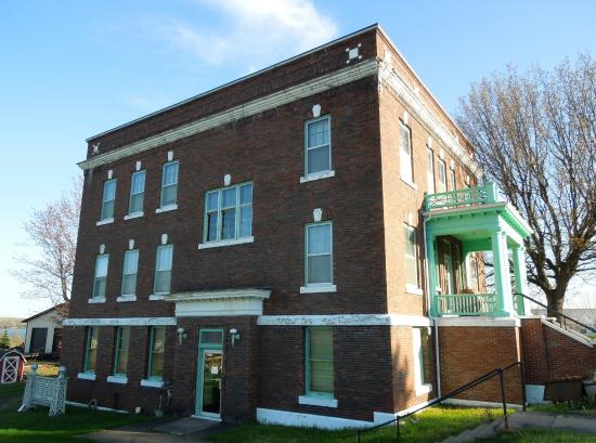 The Houghton County Historical Museum (the former Mill Office)