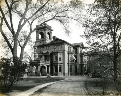 The John Plankinton Mansion serving as home to College of Music, circa 1926