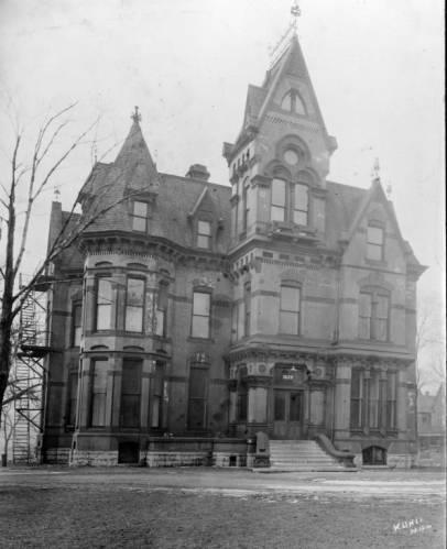 The William Plankinton mansion circa 1920