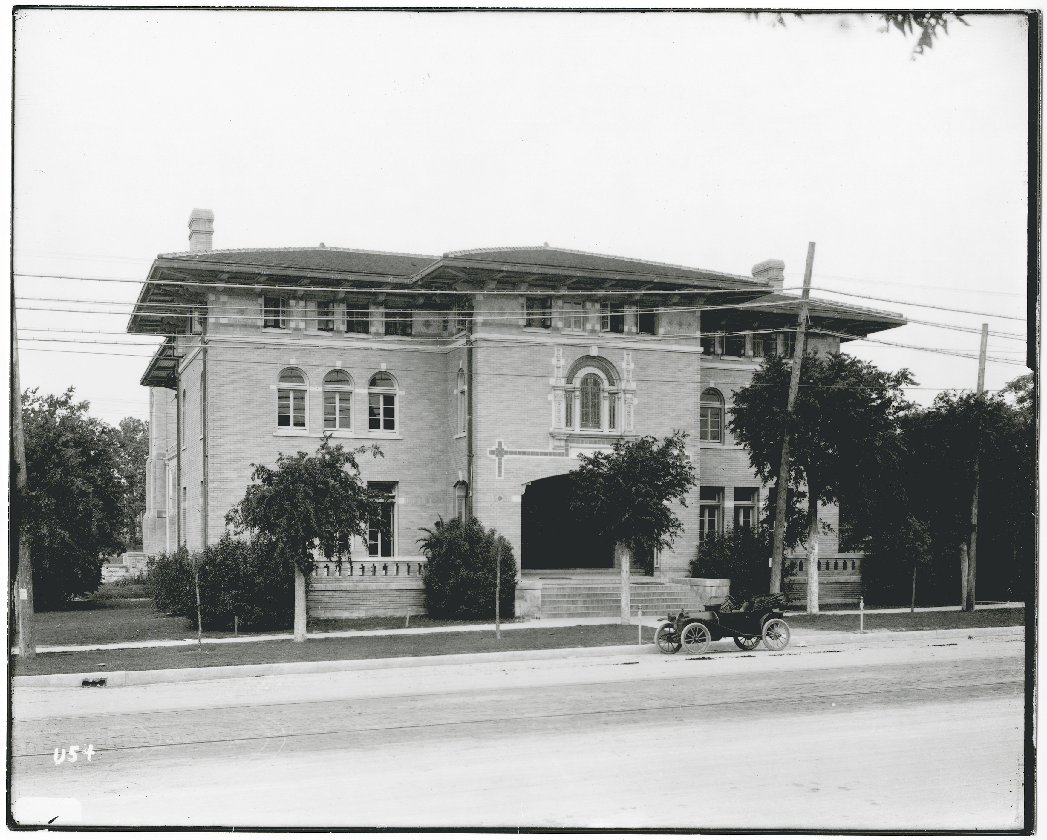 While the building on Guadalupe was rented out to businesses (and still stands) the YMCA maintained this building near campus on Nueces Street. Image Courtesy Austin Public Library. CO7963