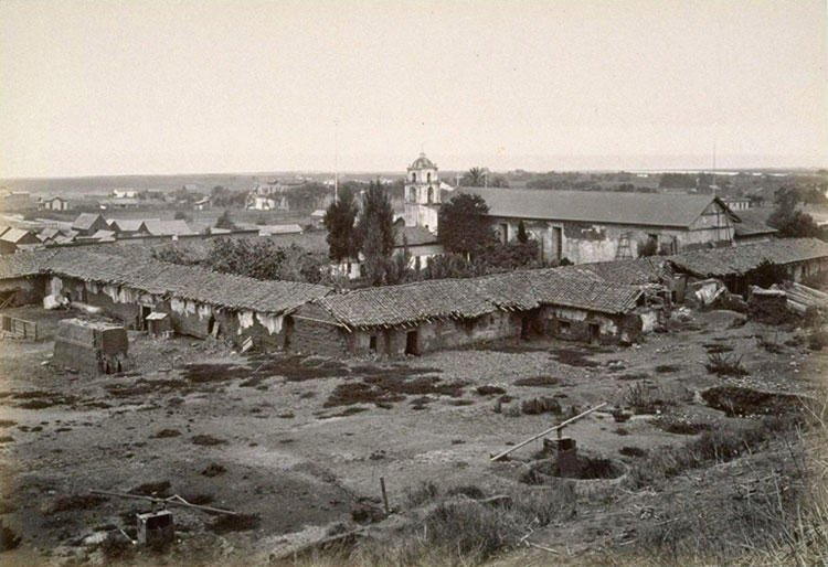 Another view of San Buenaventura in 1877 by Carleton Watkins. Note the severe dilapidation of the quadrangle. Serious restoration work took place gradually over the next hundred years.