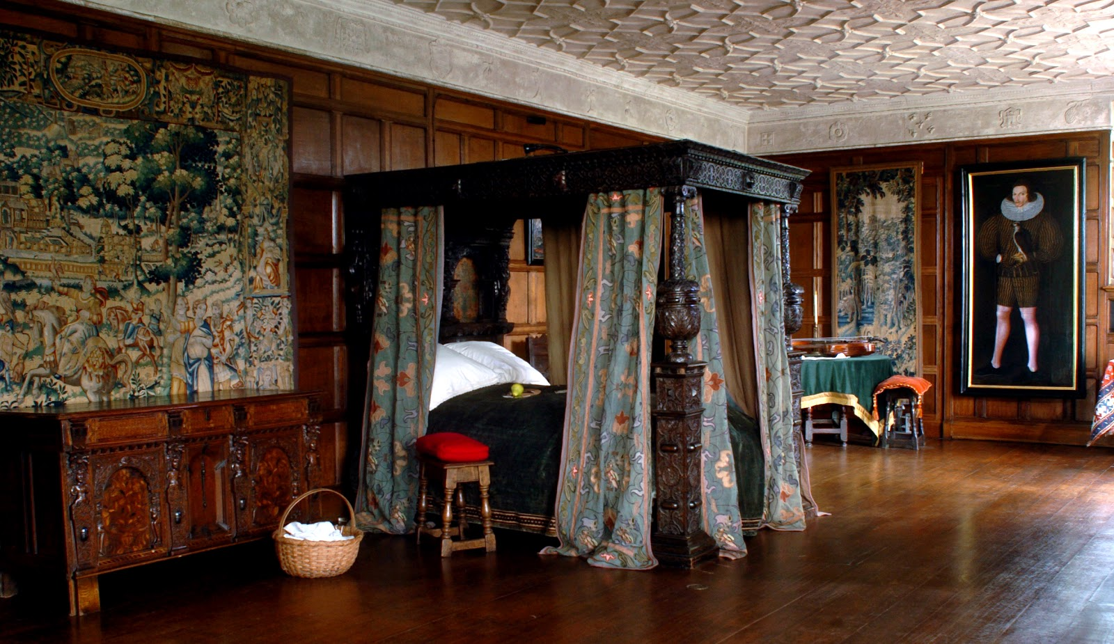 The Grand Parlor within Agecroft.