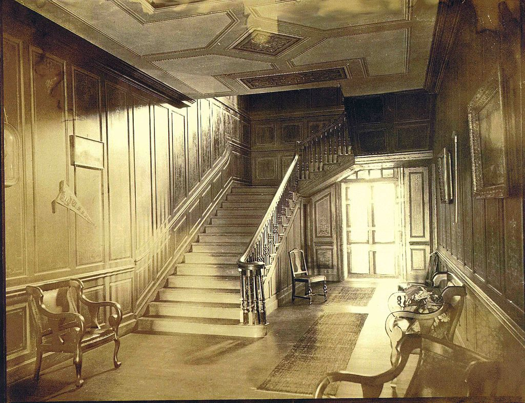 Interior/grand staircase of Wilton in 1910