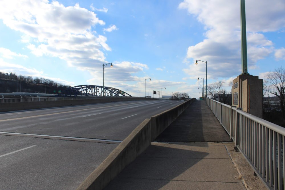Photo of the Kanawha Blvd. Bridge courtesy of Ernest Everett Blevins