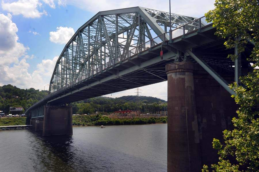 "Photo by Lawrence Pierce, from Charleston Gazette article ""Nearly 1,000 West Virginia bridges rated 'structurally deficient.'"""