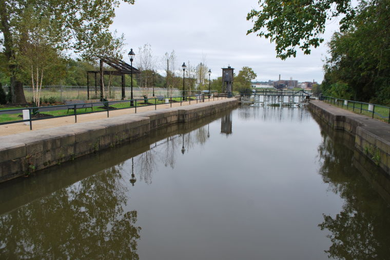 The canal lock at the Great Shiplock Park.