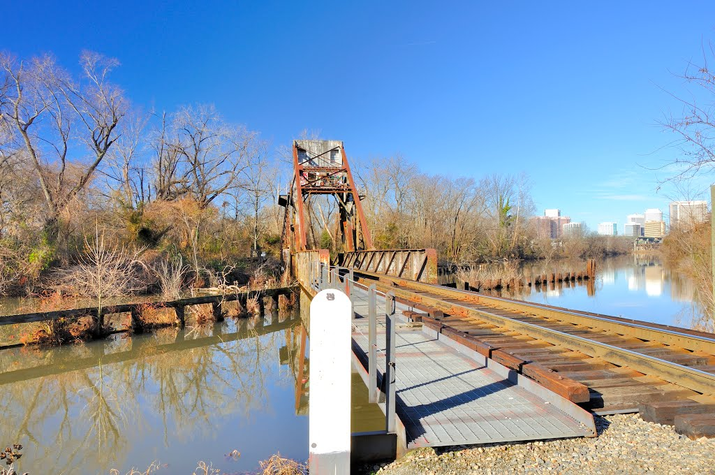 The lift bridge providing access to Chapel Island.