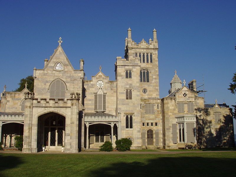 The front view of the Lyndhurst Estate