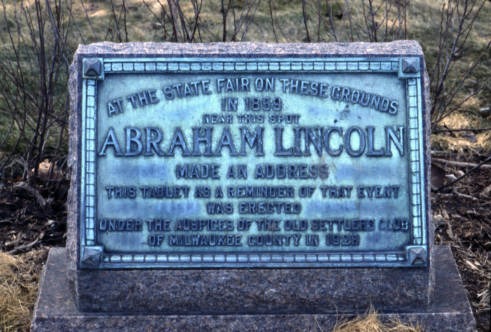 Plaque on the corner of 13th and Wells commemorating Lincoln's speech