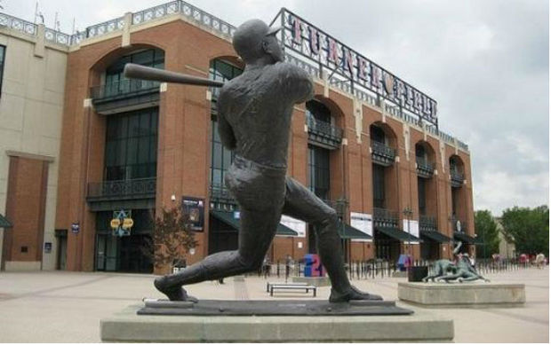 Statue of Hank Aaron at Turner Field