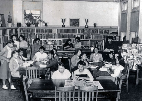 Students in the library of the Manassas Industrial School during the 1950s.