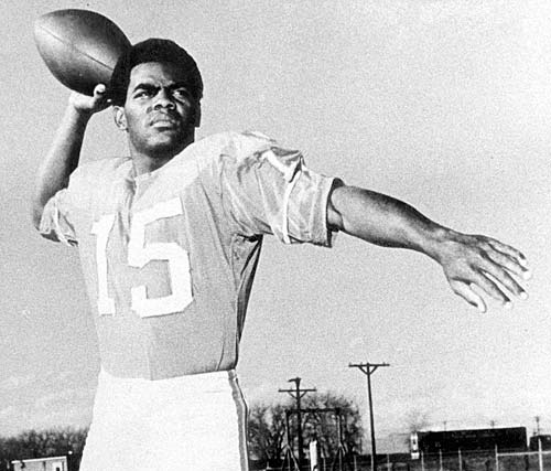 A statue of Marlin Briscoe will be dedicated at the University of Nebraska at Omaha in September, 2016.