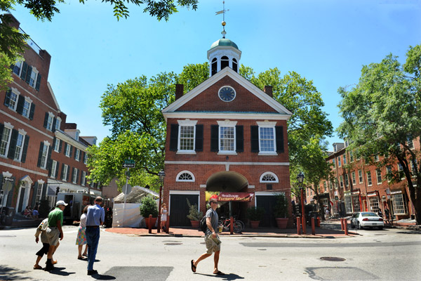 Headhouse Farmer's Market at the New Market/Head House historic site (image from Visit Philadelphia)