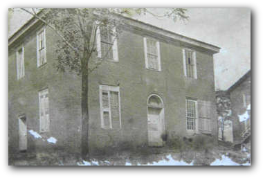 The courthouse before the initial restoration efforts began.